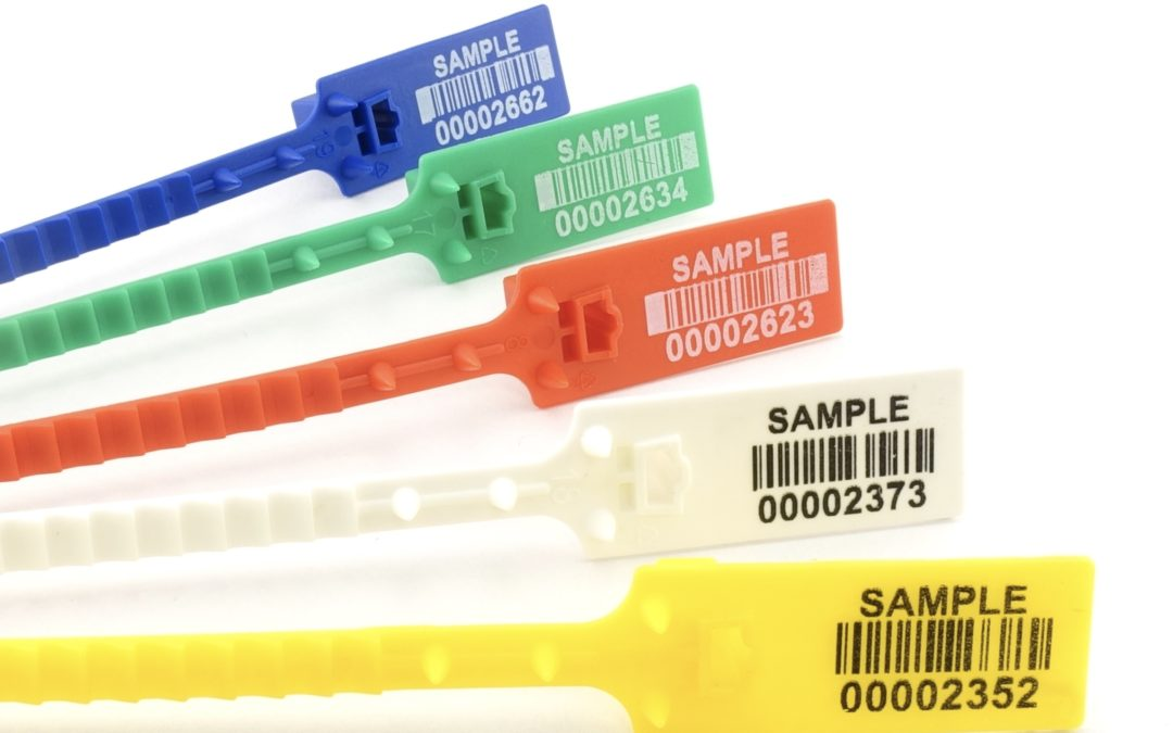 Plastic strap seal for bags